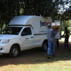 Sh 9.9.2- Fastway Couriers picking up parcels from Mooiplaas